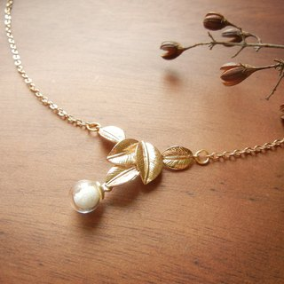 *coucoubird*white snowflakes floating leaves necklace