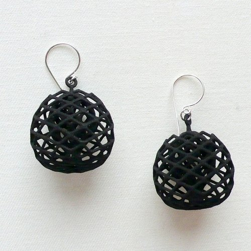 buds black earrings