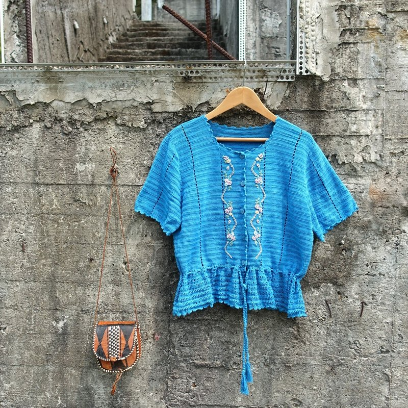 BajuTua / vintage / national wind turquoise knit short-sleeved blouse embroidered (micro defects)