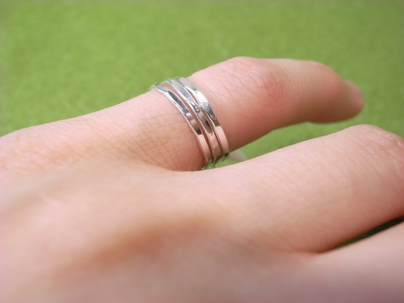 """Ermao Silver"" prime section delicate sterling silver ring"