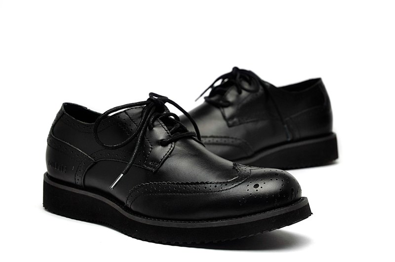 Temple Xiaoliang Pin Ying elegant texture leather derby shoes black