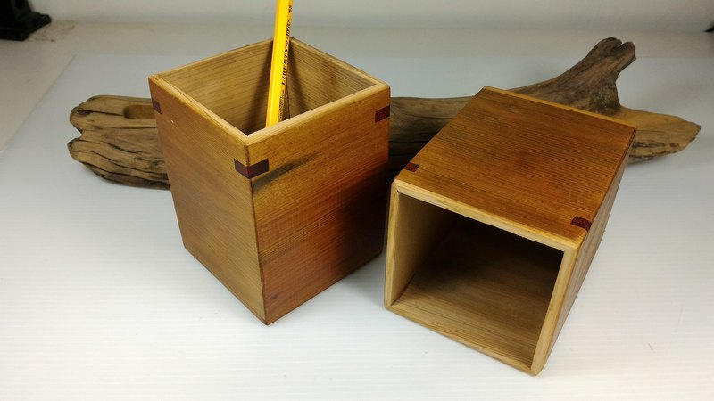 Taiwan cypress pen holder