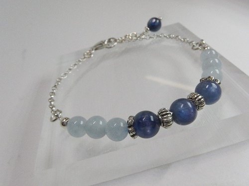 Blue and the sea - kyanite @ Aquamarine 925 sterling silver bracelet. Hong Kong original design
