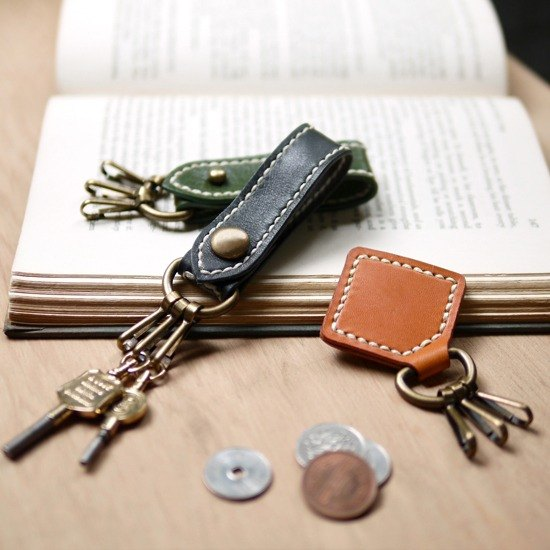 Japanese handmade leather buckle keyring machine Made by HANDIIN