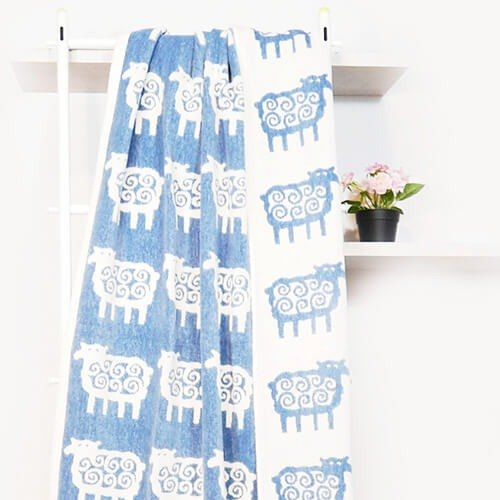 Warm blanket / lazy sofa blanket ► Sweden klippan - Q small sheep wool organic cotton blanket blue