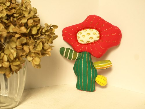 Of cactus flower brooch