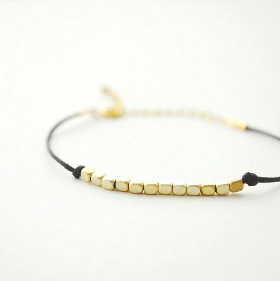 Square string bracelet black