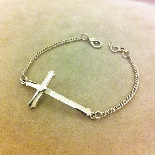 ** DORCUS ** cross bracelet / can be customized metallic / neutral section