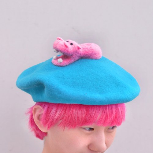 "zoozone series, ""Please throw food in the pool Hippo monarch"" hand-needle felting wool beret"