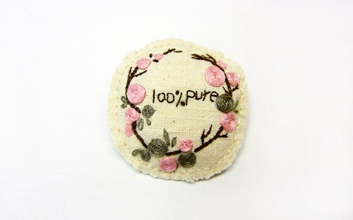 100% PURE embroidered roses circle brooch / blue dot