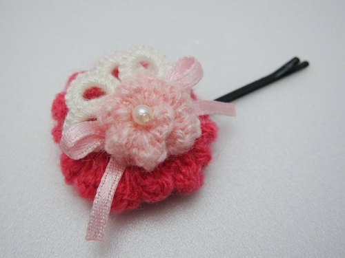 Wool lace flowers. Hairpin (There are many colors can be picked)