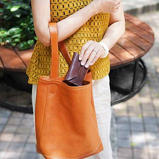 Japanese handmade leather simple soft shoulder bag Made in Japan by TEHA'AMANA