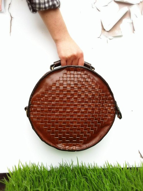 Pure hand-woven leather bag round