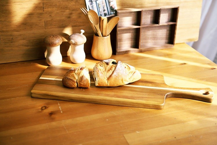 Moment wood - solid wood cutting board, bread board, cheese board, dish,  Pizza dish (Acacia wood) - long board