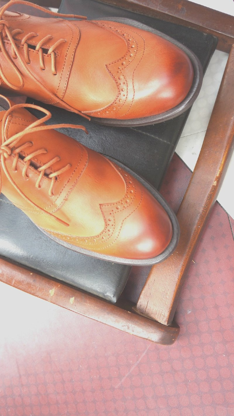 # K2 # afternoon light and shadow. Men's classic orthodox Oxford brown