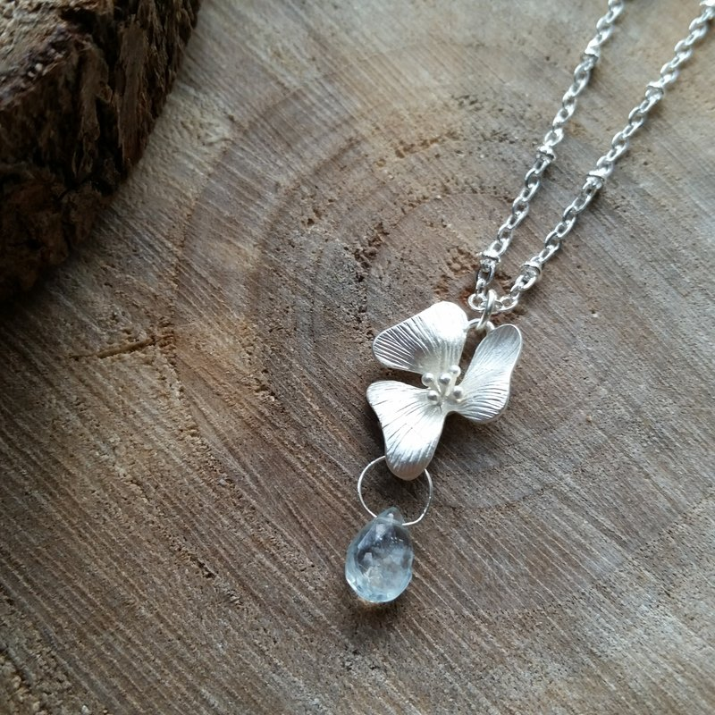 Aquamarine droplets section over the United States with silver-plated silver-plated necklace orchid
