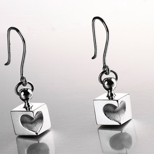 "share & amp; give thought there Recalling series - dig heart ""earring"""