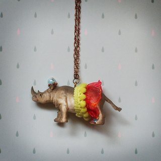 Fabulous Adventure - Rhino necklace