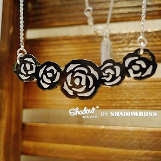 Shadow * silver Movies Cinema Series _ rose bushes Silver Necklace (black and white)