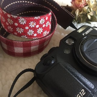 ﹝ Clare ﹞ cotton cloth hand-made red checkered x Floral camera strap