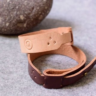 Personalized leather wear handmade leather snap ring leather dark wood color / colors can be imprinted in English