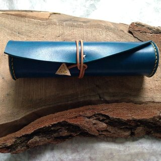 Prototype Deep Blue Pencil Case_Hand-stained Leather Sewing