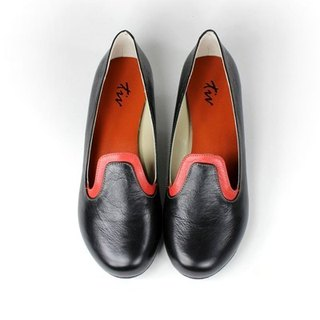 Minimalist black │ stitching loafers