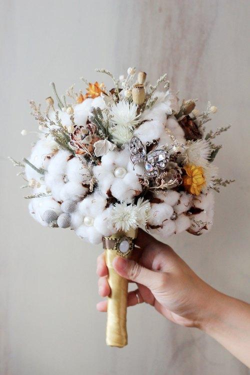 Dried flower bouquet jewelry [paragraph] cotton / brown - Designer ...