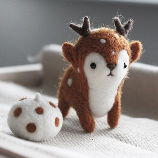 Magic Forest - deer antlers wool felt Charm