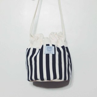 :::Bangstree:: Shoulder Bucket Bag -Darkblue & White lines