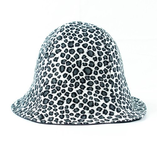 Calf Calf Village village men visor cap hat hand sided black and white leopard Leopard denim controlled travel date {} H-108]
