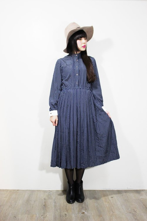 Fairy Farm Factory (Vintage) dark blue delicate little white breasted long-sleeved dress bust {vintage}