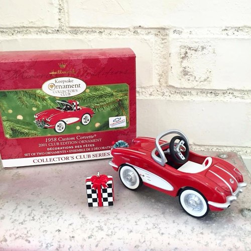 Early American Hallmark metal quality car 1997 edition / Christmas Accessories / Christmas / small toy collection