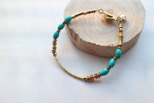 Fuchia ~ ~ turquoise sea / brass / mother of pearl bracelet