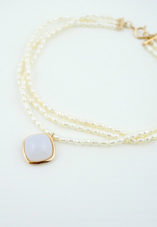 Ripple - 1.5mm White Freshwater Seed Pearl With 9mm Cushion Cabochon Blue Chalcedony 18K Rose Gold Plated Silver Bracelet