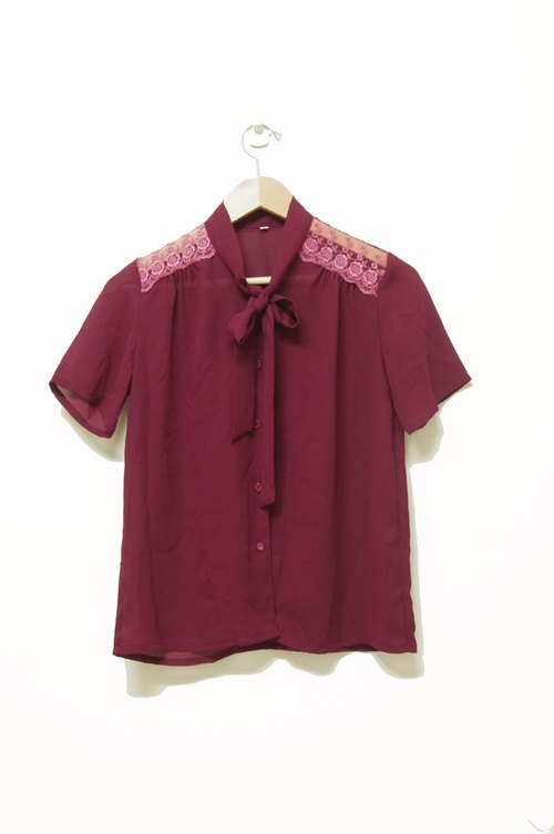 Just pills and cat ♫ ~ Claret strap vintage shirt