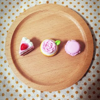 New listing ~~ ~~ mini dessert trilogy magnets ((over 600 were sent mysterious little gift))