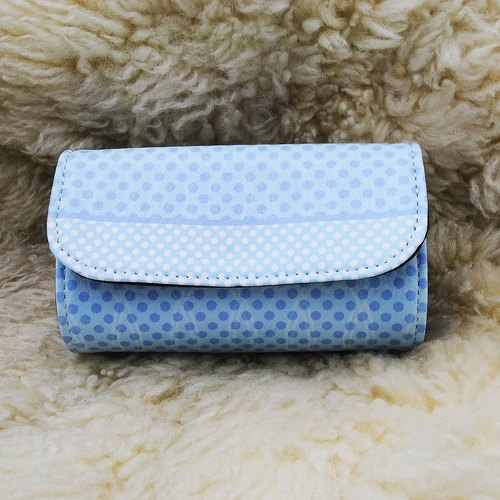Seals aqua blue penguins little grain patent sushi package purse (comes with subsection wrist band)