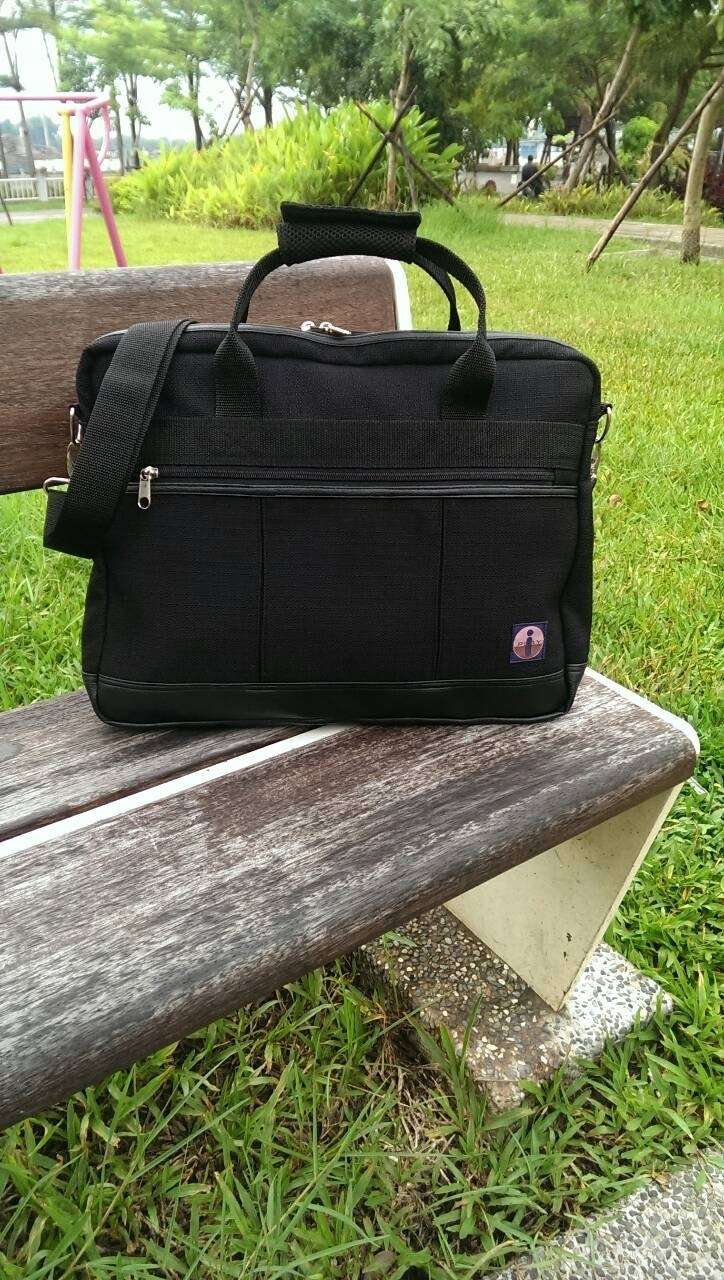 Classic messenger bag (handmade) Japanese trademark has been registered