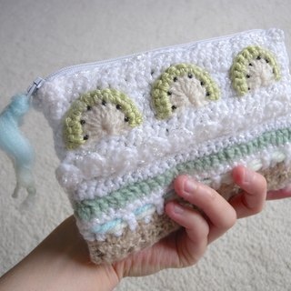Hand Crochet cell phone bag / cosmetic bag / zipper bag - kiwi cake taste