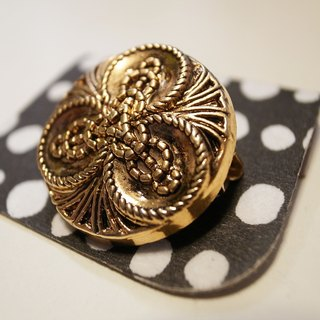 British retro rope brooch