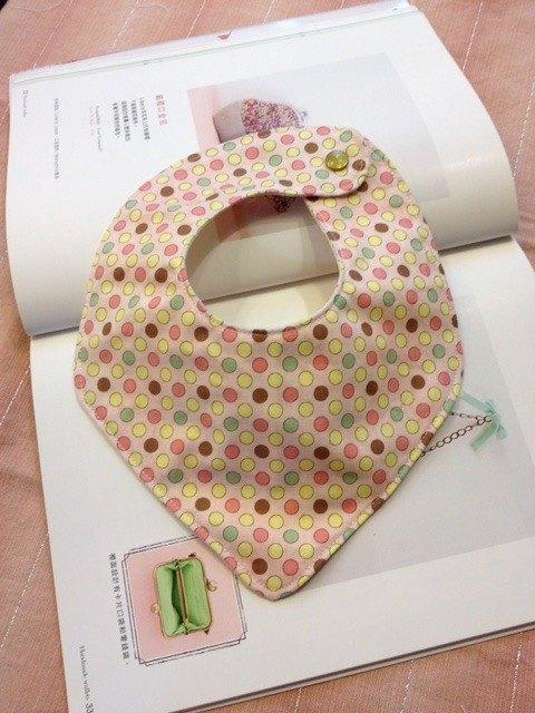 粉紅點點嬰兒圍兜-擦口水巾