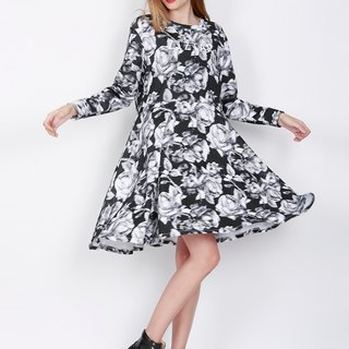 ZIZTAR classic black and white rose dress