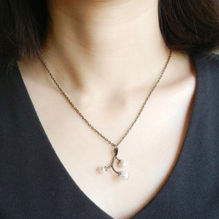 * Coucoubird * branch small fruit necklace - bronze