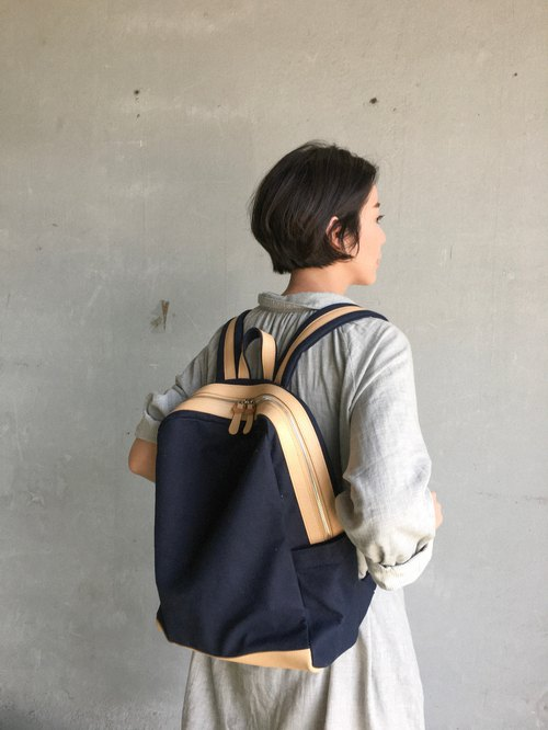 gift ! WEEK'N BACKPACK (NAVY&BEIGE)