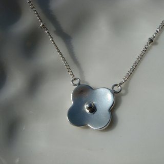 Flowers. Silver Necklace