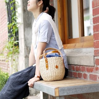 [Out of print limited offer] Idyllic country style portable woven bag out of print only Orange Made in Japan by CLEDRAN