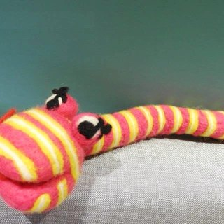 Mew in Wonderland ─ Nice pink wool felt good friend decoration crocodile decorative doll