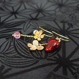 [If] [Berry] mulberry flowers and butterflies secretly dating butterfly / flower / pearl / gold-plated brass earrings strawberry / asymmetrical earrings / ear hook