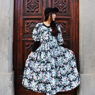 F831 (Vintage) Black bottom pink flowers cotton dress (Austrian traditional Dirndl)